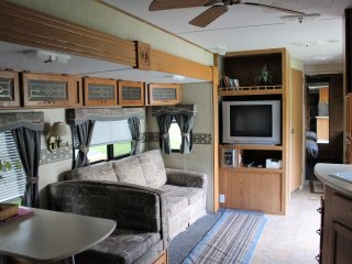 RV/Camper rental Randolph VT area, Braintree