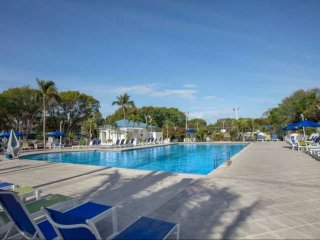 Tropical 1 Bedroom Partial Ocean View Suite - Pool, Dock & Marina - Near all Maj