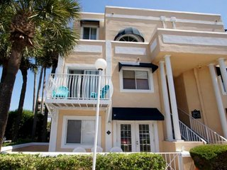 Luxury Condo with endless amenities!!, Cape Canaveral