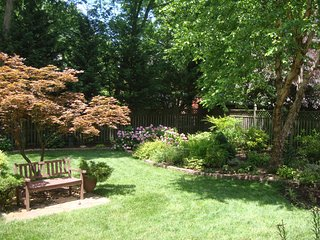 NEW! 1BR Bethesda Apartment w/ Fenced Backyard!