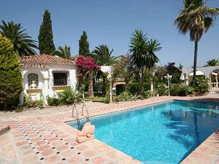 Luxury traditional Spanish finca near Marbella £75 per night for 20 guests, Cancelada