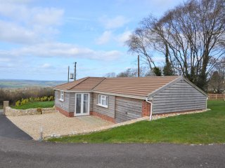 31877 Bungalow in Lyme Regis, Raymonds Hill
