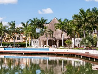Luxurious Villa in Isla Dorada, hotel zone of Cancun