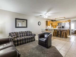 Roads End Retreat in Las Palmas | 1405 | MAIN LEVEL CONDO WITH PS4!