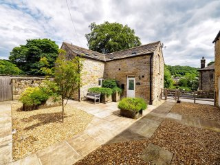 PK833 Cottage in Eyam