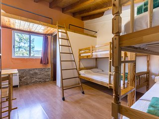 Alberg La Solana - 31 - Quadruple Room (4 - 6 Guests)