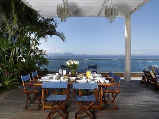 Rio005-Five bedroom penthouse with pool beachfront in Copacabana, Rio de Janeiro