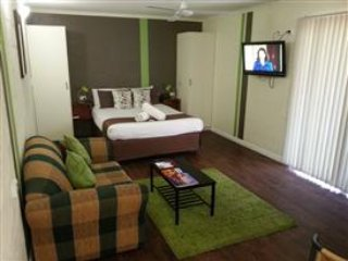Studio Apartment offering fantastic facilities - 4