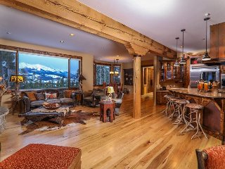 Beautiful Lodge features Stunning Panoramic Views, Privacy & Open Floor Plan!