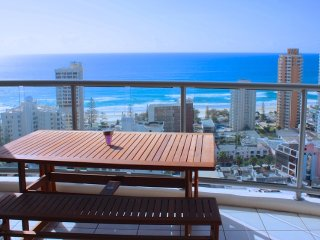 2235 Chevron Renaissance Surfers Paradise Holiday Apartment on the Gold Coast