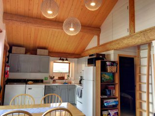 TEXADA -Modern 2BR WATERFRONT Cottage on Texada  -Central location, cozy, beach!