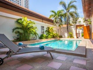 Dasiri Private Beach Pool Villa 39, Pattaya
