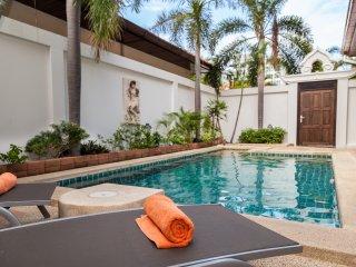 Dasiri Private Beach Pool Villa 40, Pattaya