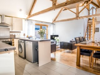 The Barn sleeps 6, beautiful Somerset barn 4 star, spa included, Taunton