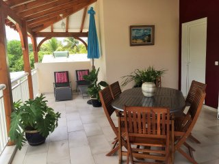 House with 2 rooms in Saint François, with enclosed garden and WiFi, St. François