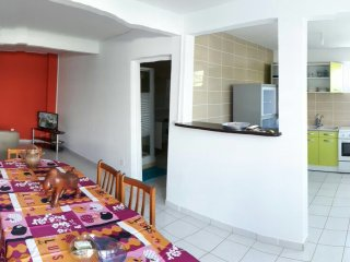 Apartment - 12 km from the beach, Ducos