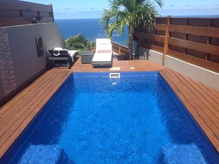 Villa with pool and amazing seaview