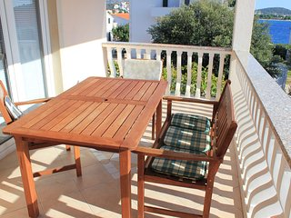 Apartment - 50 m from the beach, Rogoznica