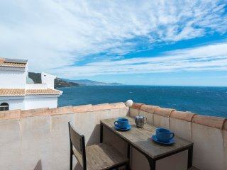 Buenavista - views, pool, beach, spa, home cinema. Relax in the sun!