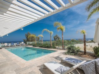 Nice Day Luxury Villa with amazing sea views