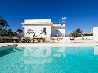 Luxury Villa with pool near the sandy beach