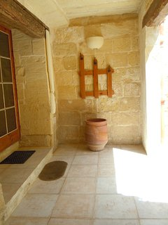 ZNUBER holiday house entrance patio