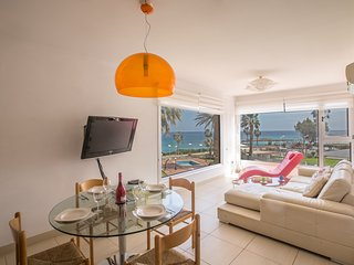 Pallinio 203 with unobstructed sea views of Fig Tree Bay