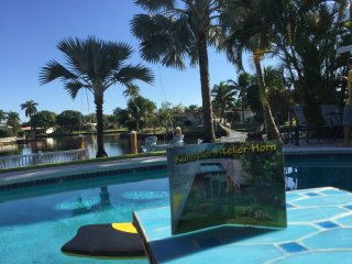 Super Paradise Waterfront near Beaches Heated Pool Tiki-Bar Palmgarden Boat-dock, Fort Lauderdale