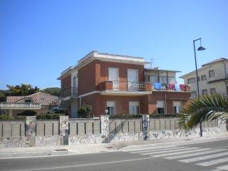 Casa Libero, dirrekt am Meer. Minturno, deutschsprachige Betreuung, Scauri