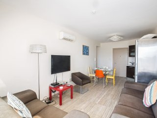Pallinio 202, 2 bed Fig Tree Bay apartment with sea views