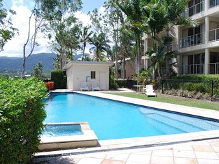 Hermitage Holiday Apartment - Les Jardin, Airlie Beach