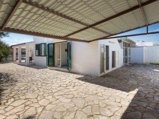 784 Villa con Ampio Giardino a Torre Lapillo
