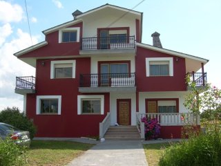 House - 10 km from the beach, Lugo