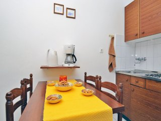 Apartment 1562, Rabac