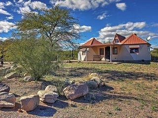 NEW! 1BR Mammoth Cottage w/ Gorgeous Desert Views!
