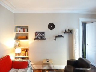 Charming apartment close to the Eiffel Tower