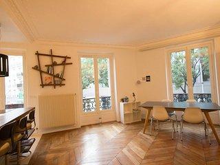 Amazing 2 bedrooms in Montmartre / Pigalle