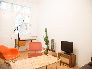 Renewed beautiful loft in Pigalle / Montmartre