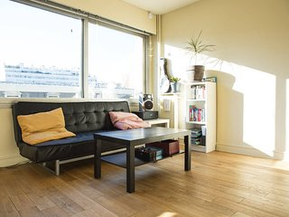 Lovely & sunny flat in Paris - chic area