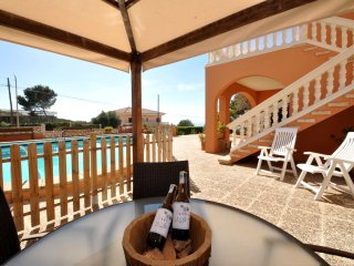 Bahia grande, big pool, Wifi, Air Conditioning, sea views is perfect families!!!