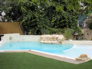 Montagnac holiday villa South France with private pool sleeps 6