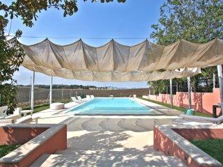 VILLA ALESSANDRA - Private Villa with Pool, beach 3Km, wi-fi, Senigallia, Marzocca