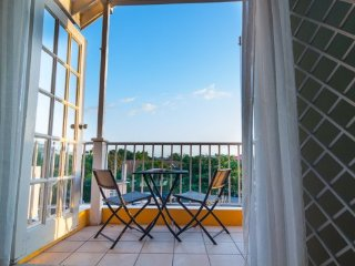 Kingston Jamaica Vacation Rental - Lovely 2 Bedrooms Split level with pool
