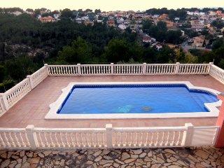 VILLA MARI, con piscina privada totalmente vallada!!!