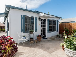 North Pacific Beach Casa by Global Cardon, San Diego