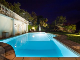 Sumptuous villa with pool and views over Lake Como!