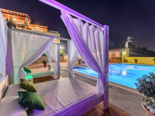 VIEWS VILLA *** LAST MINUTE OFFER ***