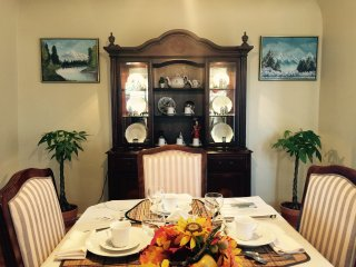 Warm and cozy dining room enough for 6 seats