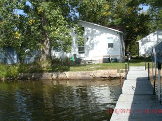 YEAR ROUND VACATION HOME ON THE LAKE. FISHING,HUNTING, ATV AND SNOWSPORTS, Pickerel