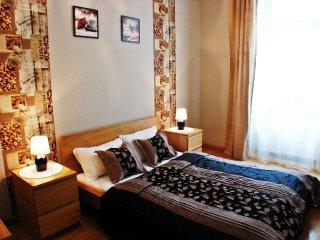 Black Coffee apartment in Stare Miasto with WiFi., Cracovia